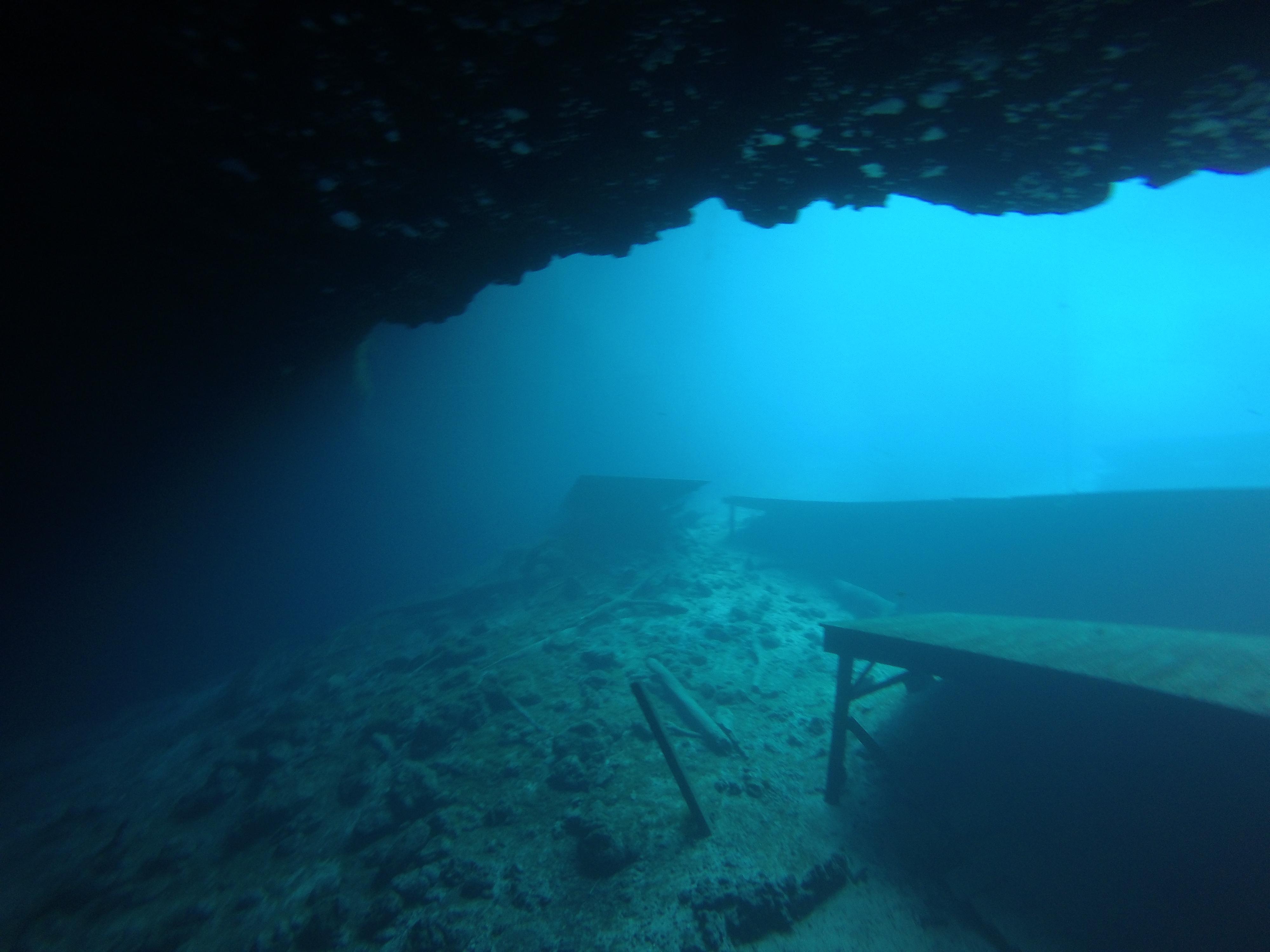 Underwater Wasteland @ Blue Grotto [OC] [OS] [4000x3000]